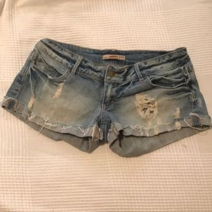 Slouchy! Actually flattering jean shorts!